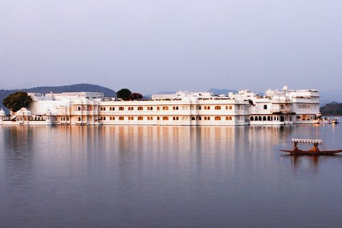 lake palace udaipur india